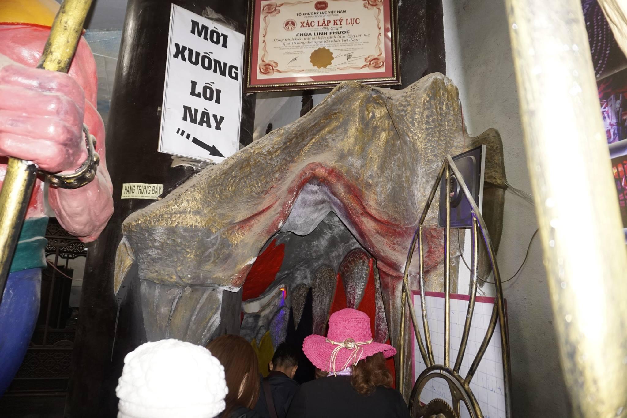 Vào hầm thăm 18 tầng địa ngục ở Chùa Linh Phước Đà Lạt | Thế giới phật pháp
