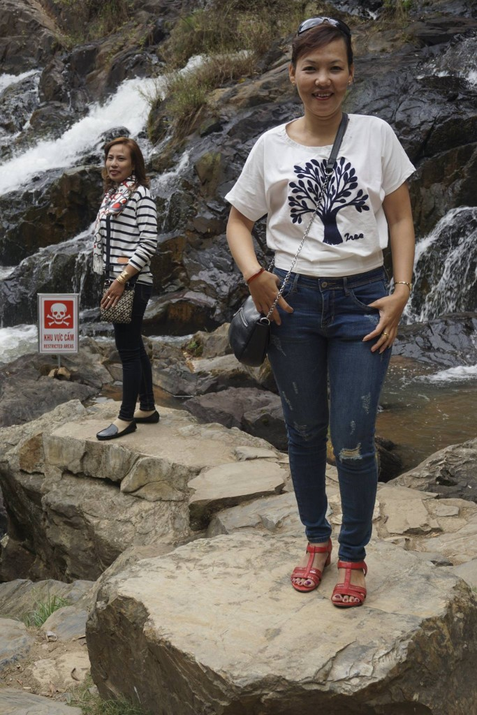 Thăm thác nước Datanla18