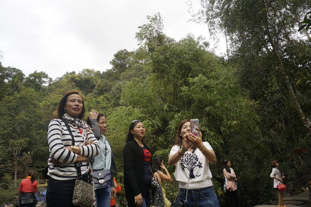 Thăm thác nước Datanla30