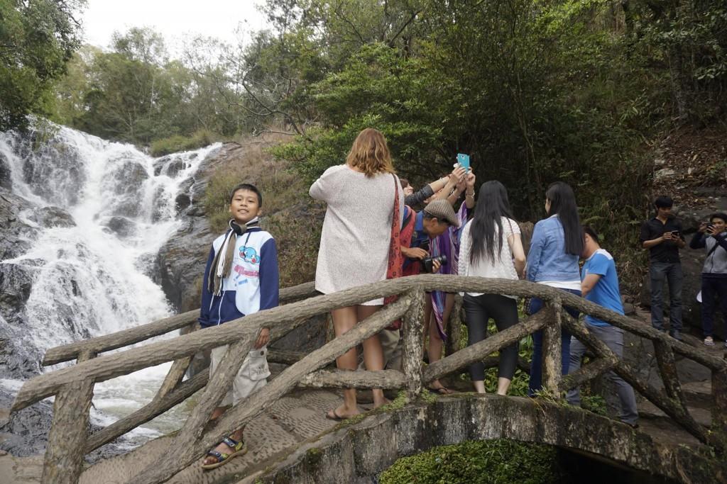 Thăm thác nước Datanla31